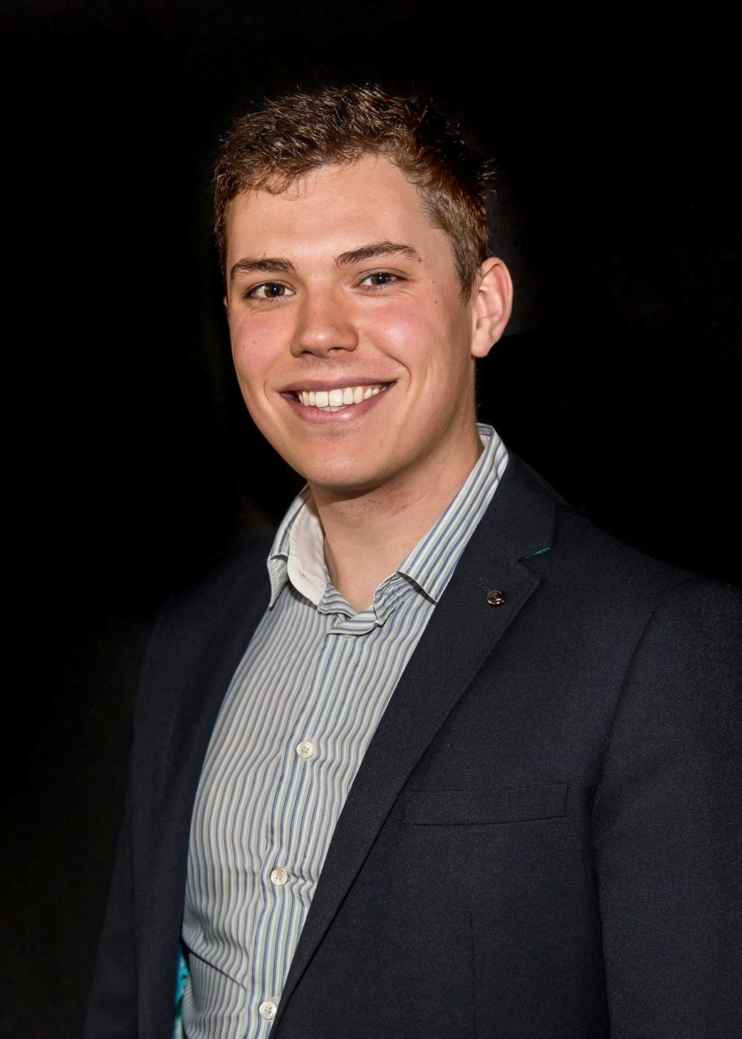 Charles Creasey Closeup Magician South Yorkshire